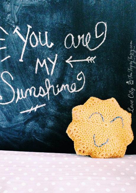 crochet-sun-pillow-e1405963050224