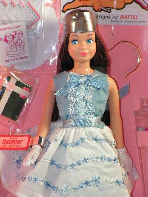 2013 Barbie 50th Anniversary Skipper Brunette BDH31 (3)
