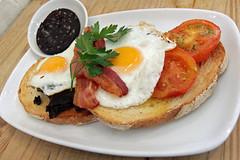 Breakfast at Bill's Restaurant, Brighton, Eng…