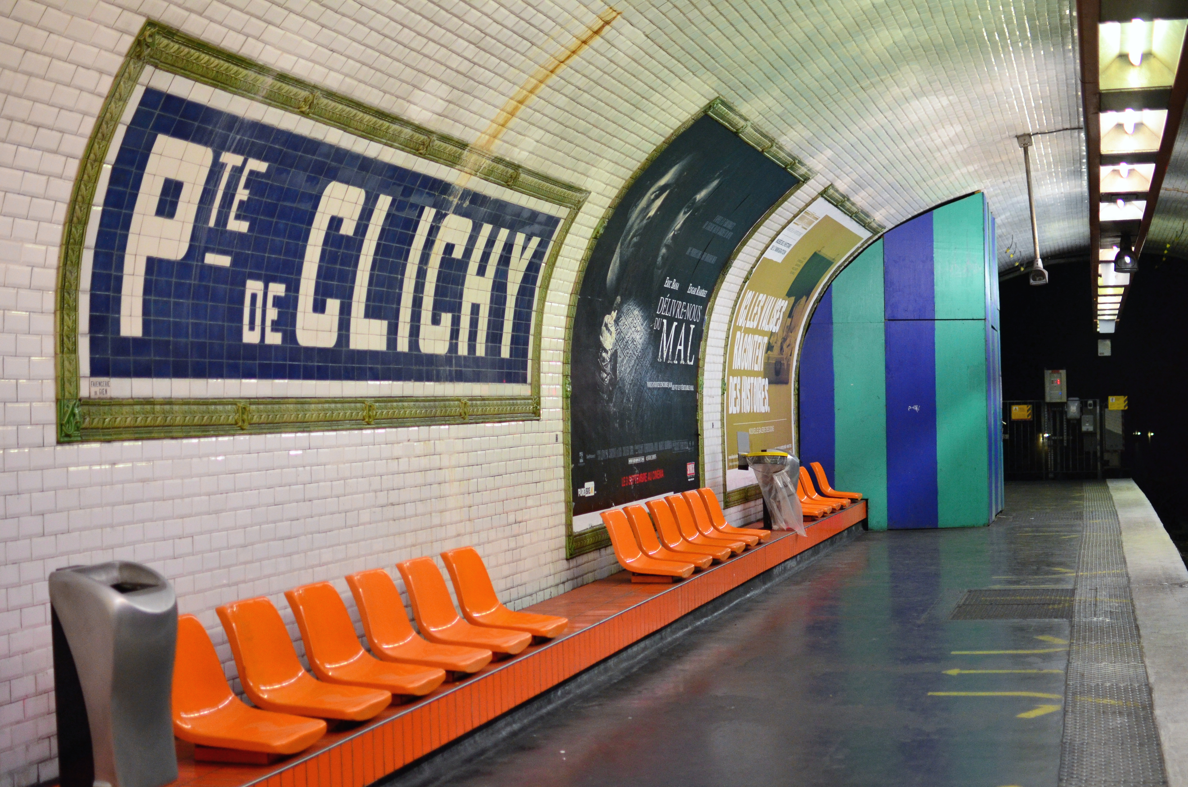 Porte de clichy metro porte de clichy metro station paris flickr photo sharing - Porte de clichy prostitutes ...
