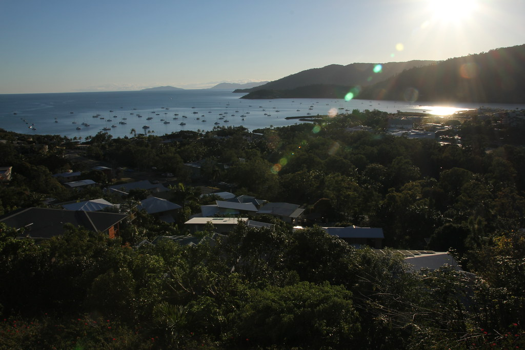 airlie beach, whitsundays, mount rooper