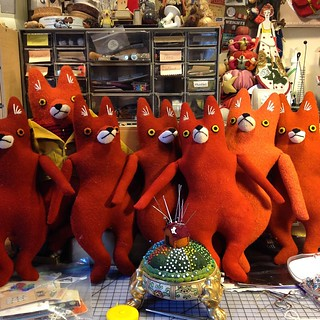 They're staring at me! #foxes #behindthescenes