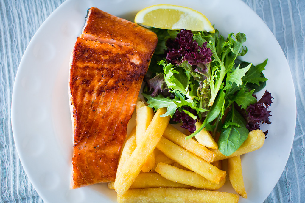 Grilled Salmon with Chips & Salad
