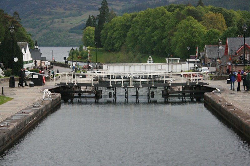 Fort Augustus and the Caledonian Canal (23)