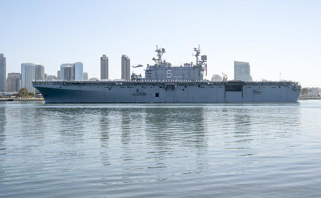 USS PELELIU (LHA 5)
