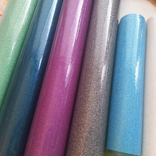 """New vinyl colors!! Who needs a pouch?? $17 for a 7"""" x 3"""" x 3"""" or set of three different sizes for $45. Mint, teal, purple, grey, blue, silver. #boxpouch #zipperedpouch #OMGallthesparkles #goingtoquiltcon"""