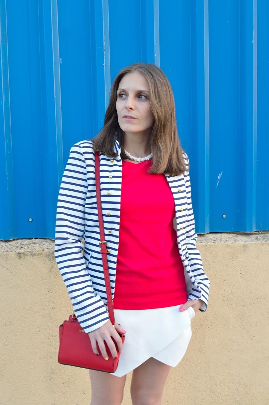 lara-vazquez-madlula-fashion-look-red-mk-navy