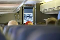swa 737 cockpit door still open DSC_0297_int