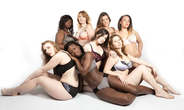 8 femmes posent en lingerie pour La belle Affranchie, marque de lingerie pour toutes les femmes, de la taille 38 à 56. Il n' y a pas un corps idéal ni parfait, chaque femme est unique et elle est belle quand elle l'assume. REAL WOMEN HAPPY WOMEN!