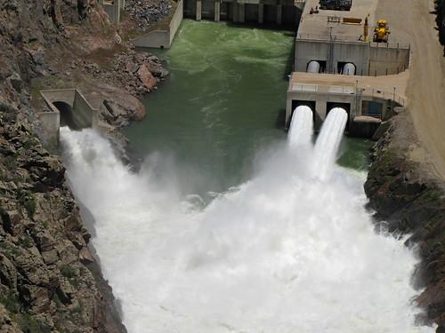 lake water rural colorado dam release reservoir spillway gunnisonriver bluemesadam curecantinationalrecreationarea