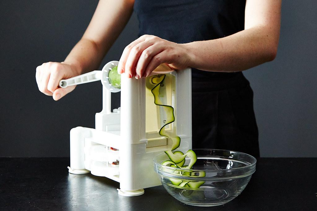 How to Spiralize Zucchini