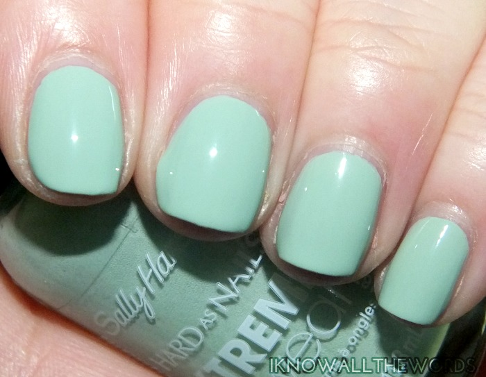 sally hansen xtreme wear sea bloom collection- kelp yourself (5)