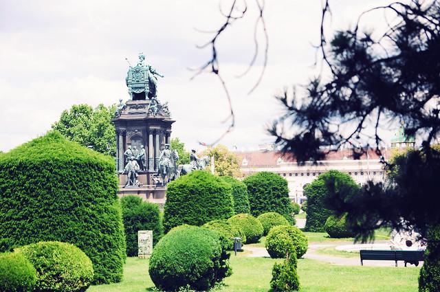 Vienna_postcards_museumsquartier (6)