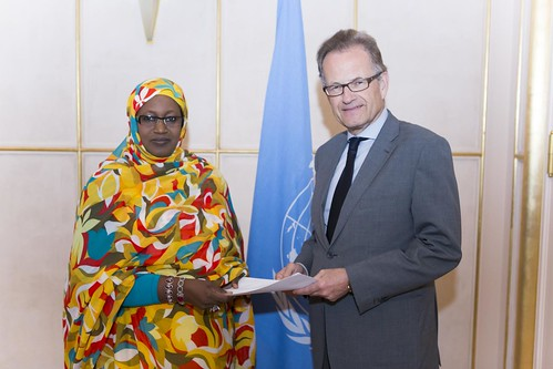 NEW PERMANENT REPRESENTATIVE OF MAURITANIA PRESENTS CREDENTIALS TO ACTING DIRECTOR-GENERAL OF UNOG