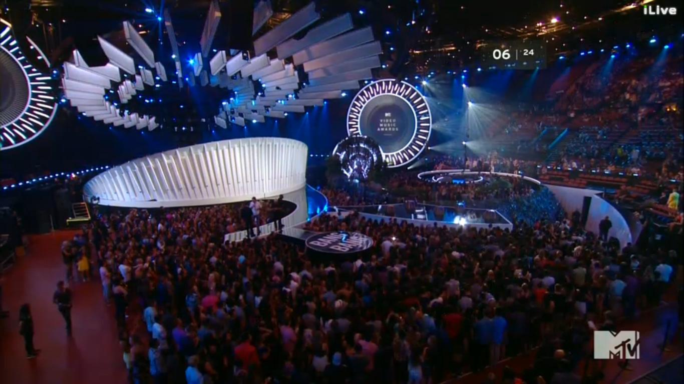 MTV VMAs 2014 Staging