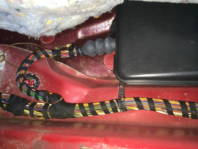 14892250238_58e838f0ed_z how to get at the ccm and body harness Dune Buggy Wiring Harness Kit at edmiracle.co