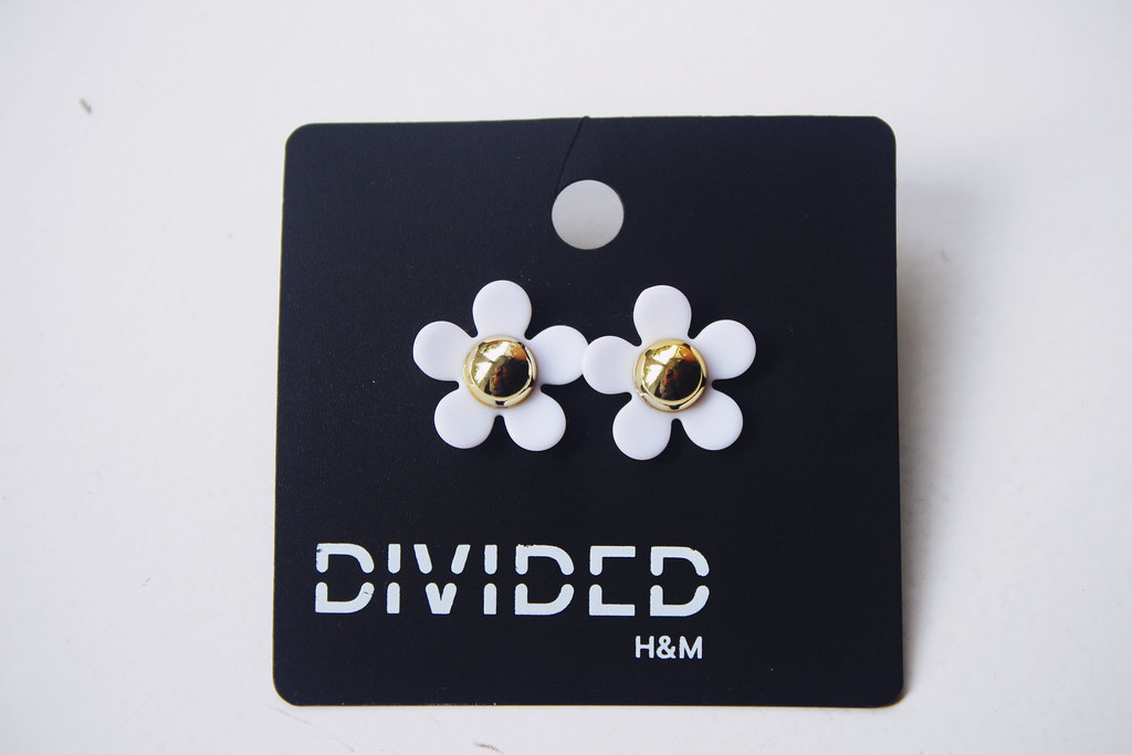 marc-jacobs-daisy-earrings-H&M