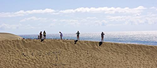 Faro de Maspalomas onlookers