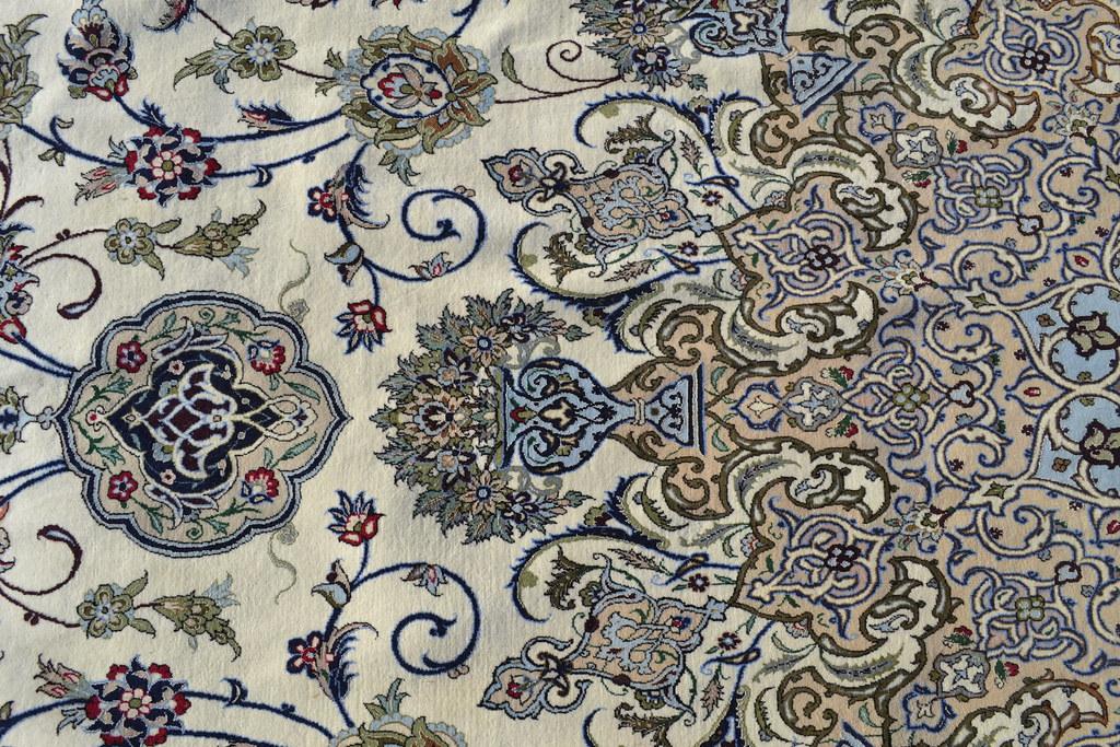 Isfahan Oversize Persian Rug 13x20