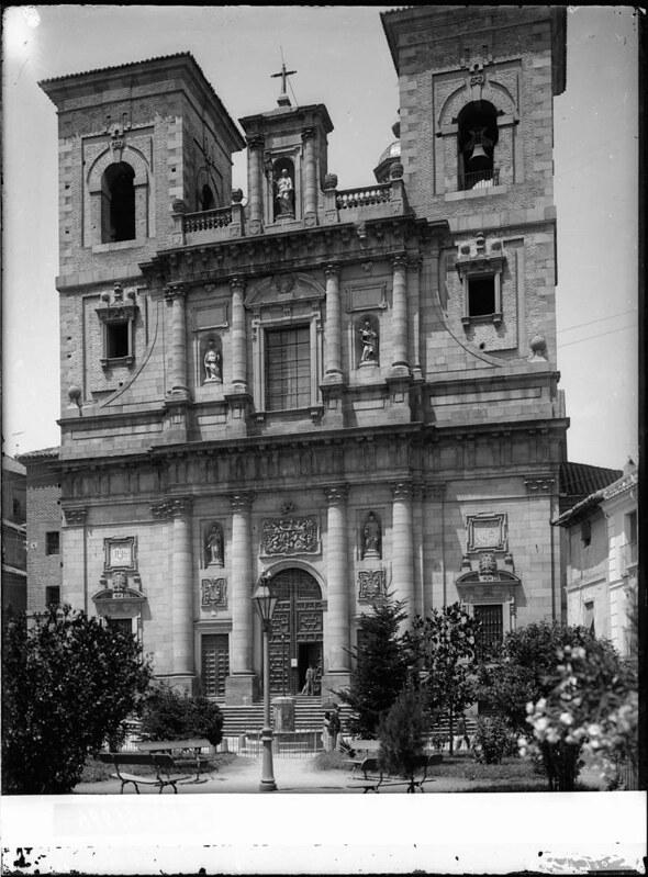 Iglesia de los Jesuitas a comienzos del siglo XX. Fotografía de J. Lacoste © MECD, Fototeca del IPCE, signatura VN-22669_P