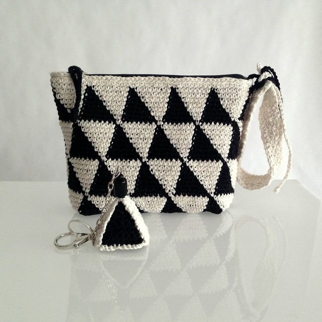 geometric crochet purse