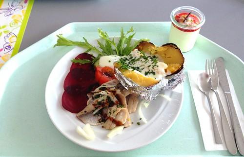 Matjesfilet auf roter Beete mit Kräuter-Vinaigrette / Matie filet on beetroot with herb vinaigrette