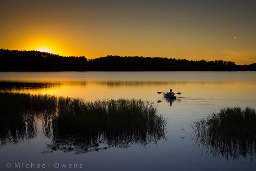 sunset lake silhouette kayak florida paddle clermont kayaker lakelouisastatepark lakedixie