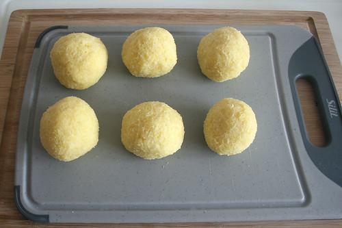 42 - Klöße formen / Form dumplings