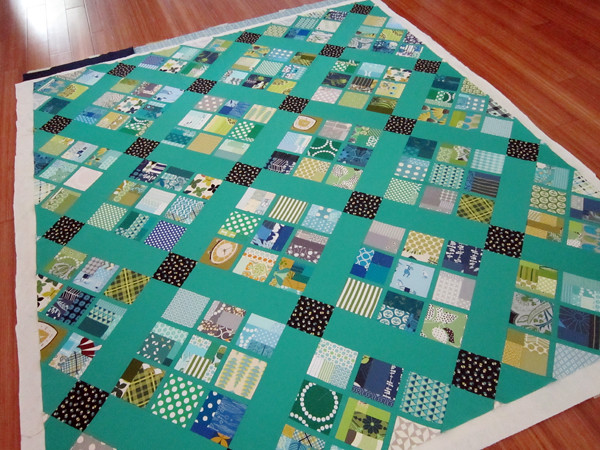Cobblestone throw quilt