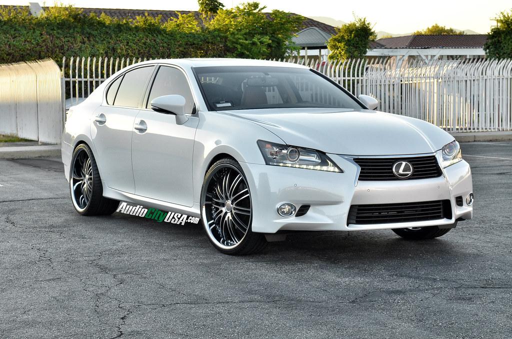 "2014 Lexus GS 350 on 22"" XIX X 23 black machine Chrome lip"