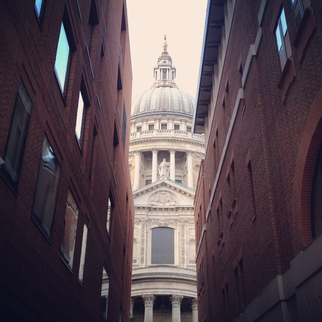 6:45am - playing peepo with St Paul's #london #morning #stpauls #work