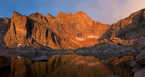 morning lake snow mountains reflection water sunrise nationalpark colorado longspeak 14er rockymountainnationalpark chasmlake