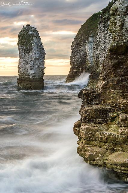 sea cliffs wave smash splash long exposure
