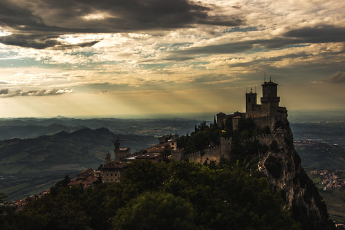 travel vacation italy panorama castle history clouds canon photography interesting ancient italia sanmarino sigma medieval romagna eos600d