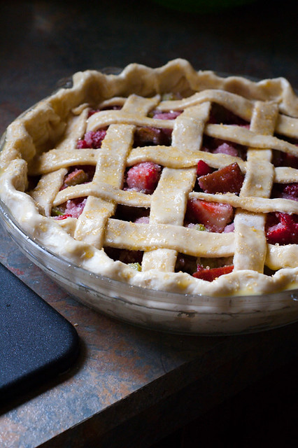 strawberry-rhubarb-pie-14
