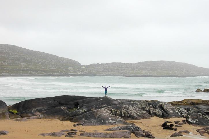 Derrynanen rannalla Irlannissa I @SatuVW I Destination Unknown