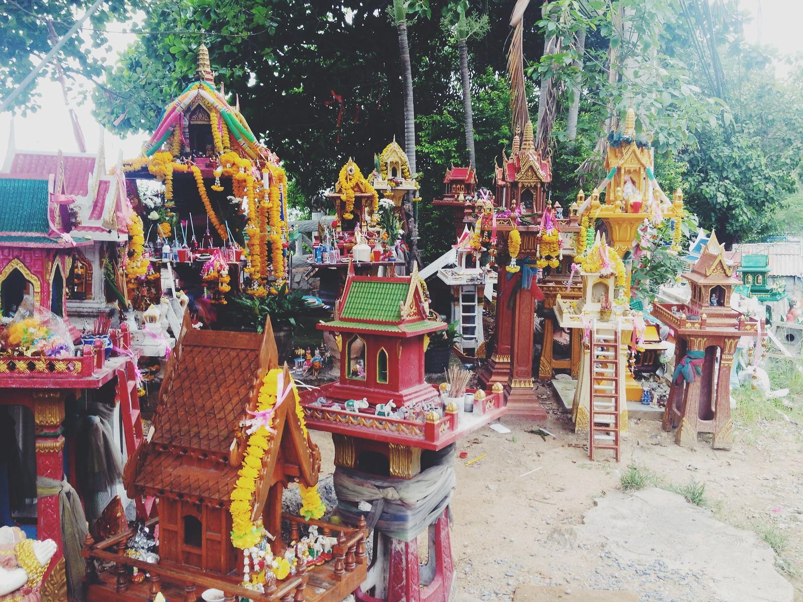 Spirit Houses Thailand - Kirsty Wears Blog