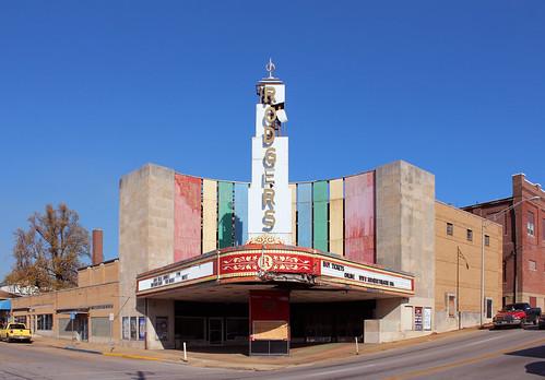theater downtown theatre decay historic missouri artdeco movietheater poplarbluff artmoderne butlercounty nationalregisterofhistoricplaces nrhp constructed1949