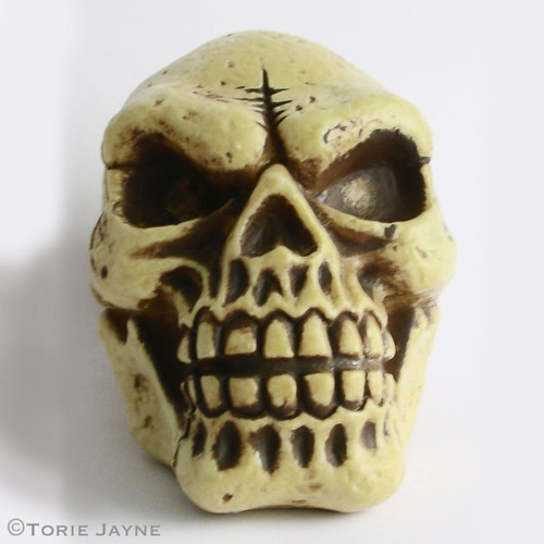Medium plastic skull
