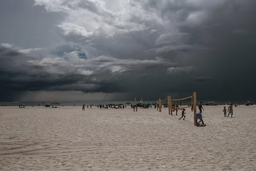 beach rain clouds strand florida clearwater regenwolken xpro1