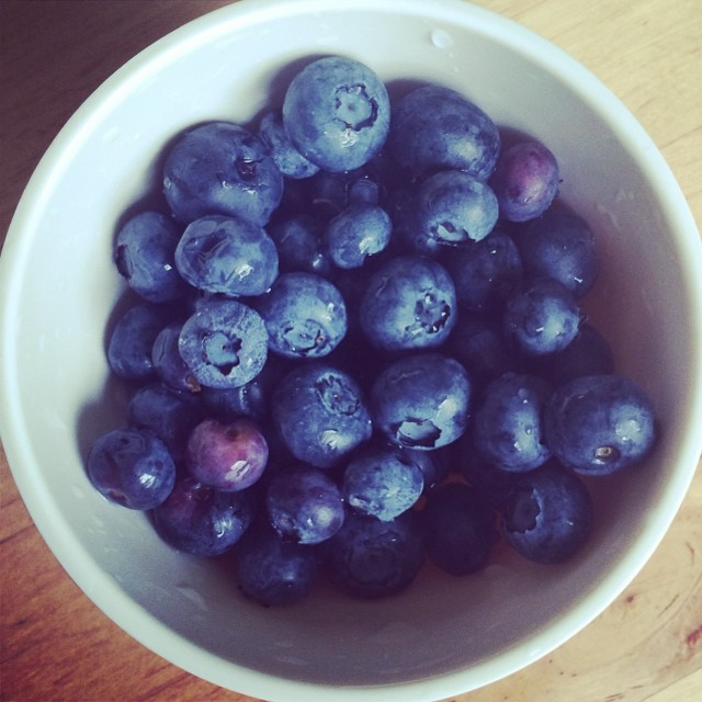 Day 21, #whole30 - snack (blueberries)