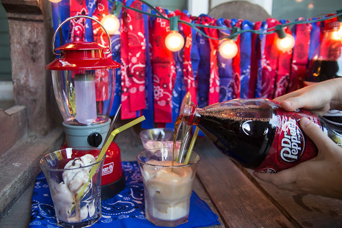 Pouring a Dr Pepper Float #BackyardBash #Shop