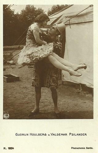 Valdemar Psilander and Gudrun Houlberg in Klovnen