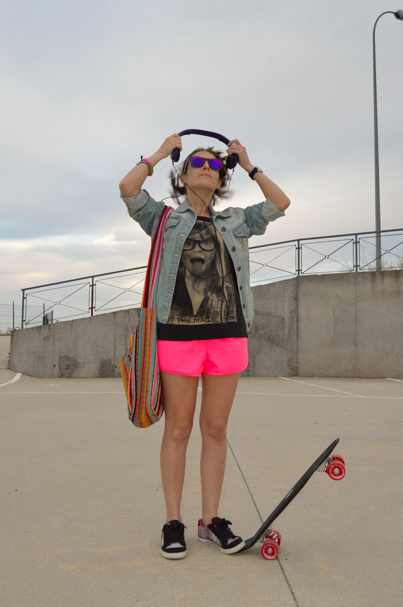 lara-vazquez-madlula-blog-style-fashion-look-skater-sporty-outfit-almost-summer