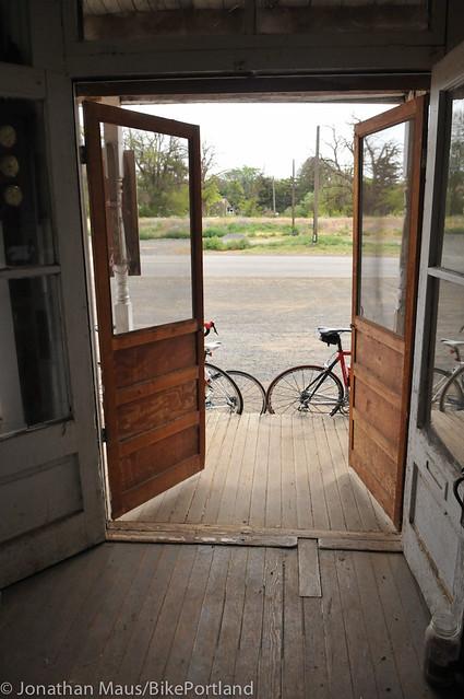 Treo Bike Ranch trip day 3 - Hardman to Columbia River-30
