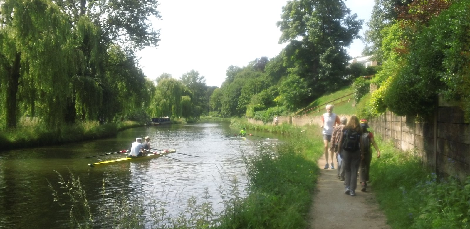 Busy morning along the river Guildford
