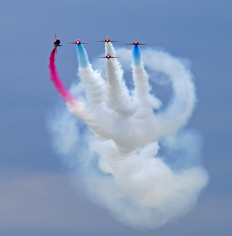 Red Arrows 387  (143)b
