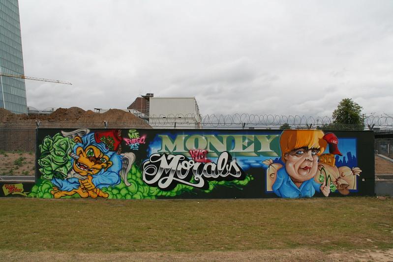 Streetart an der neuen EZB - Money