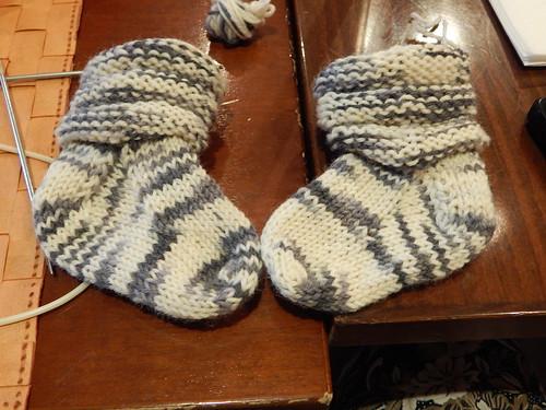 два носочка рядом