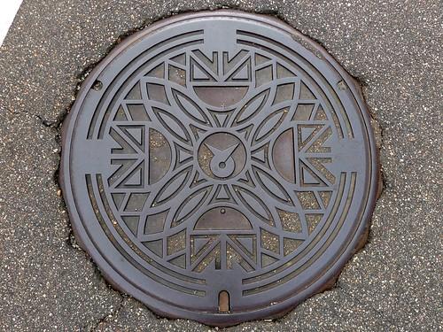 Tonami Toyama, manhole cover 2 (富山県砺波市のマンホール2)